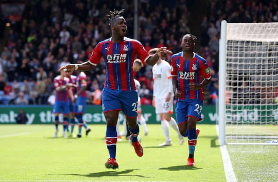 Michy Batshuayi celebrates after scoring for Crystal Palace in May 2019, during his previous loan at the club.