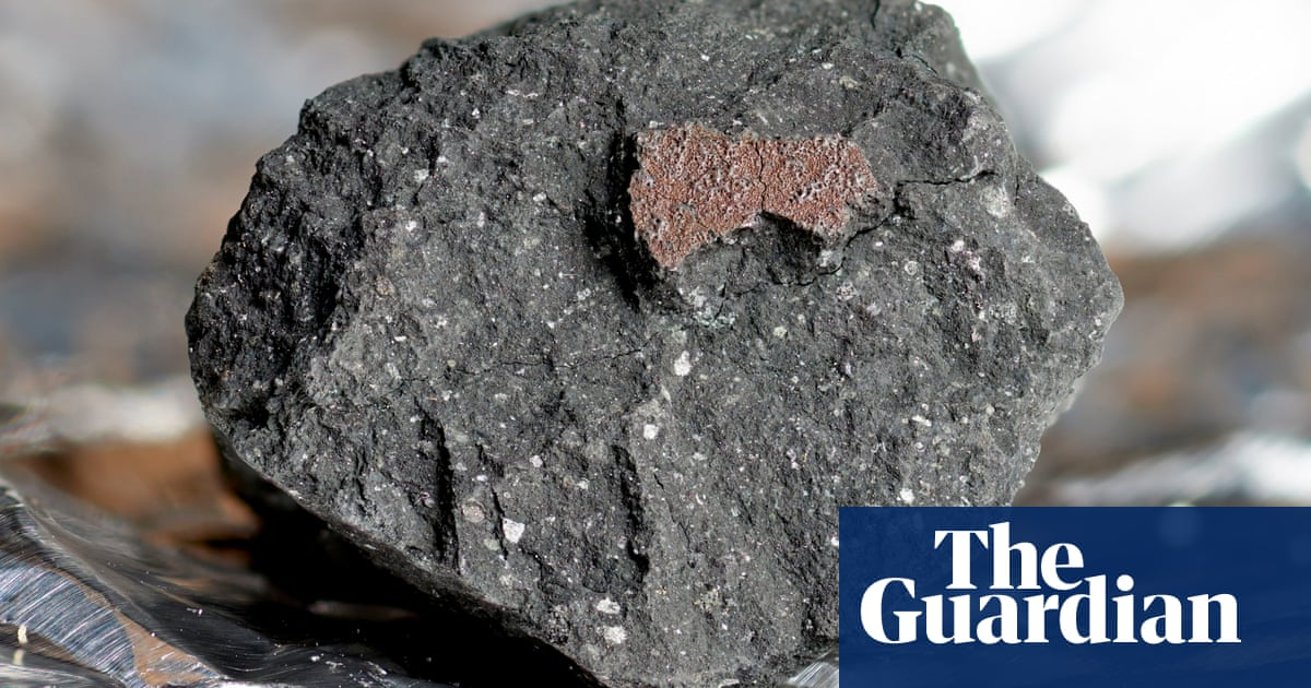 Meteorite crashes through roof of Canada woman's home and on to bed