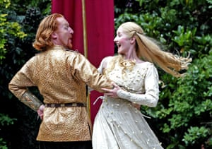 Daniel Flynn as Arthur and Lauren Ward as Guinevere in the 2004 production of Lerner and Loewe's musical Camelot