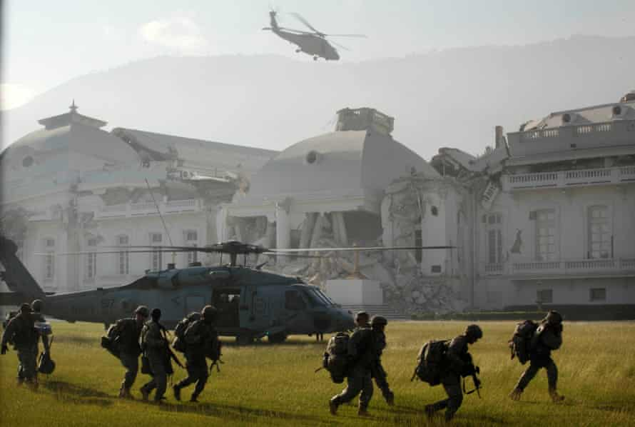 US army paratroopers outside Haiti's National Palace after the 2010 earthquake.