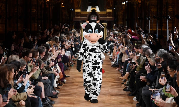 Stella McCartney's Fashion Show Makes a Statement on Animal Cruelty–And Has Some Fun Doing It