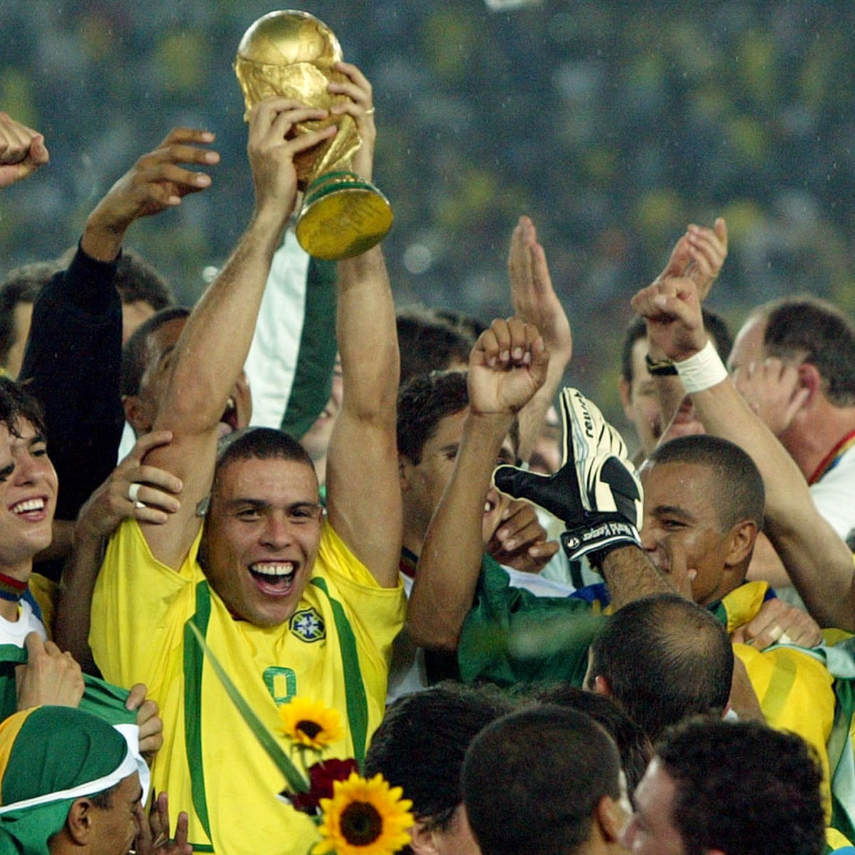 Ronaldo S Redemption Recalling The Brazil Striker S World Cup Fairytale 15 Years On Brazil The Guardian