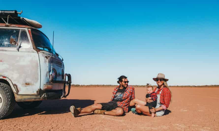 Karsten, Zuri and Maxine travel Australia in a Kombi van