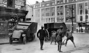 Irish Free State troops fire an 18-pounder field gun at republican fighters in Dublin, in 1922.