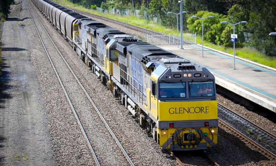 Environmental groups and investors are putting pressure on coal producer Glencore to align its business with the goals in the Paris climate change agreement.