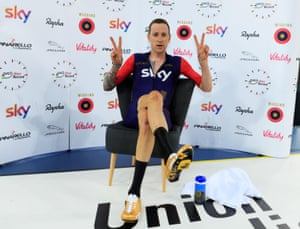 Havn't we seen this pose before somewhere? Right after he won the Olympic gold medal in London.