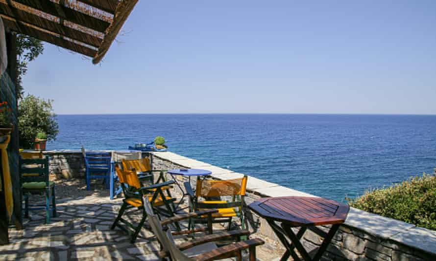 Coffee shop at Milopotamos beach on the Pelion.