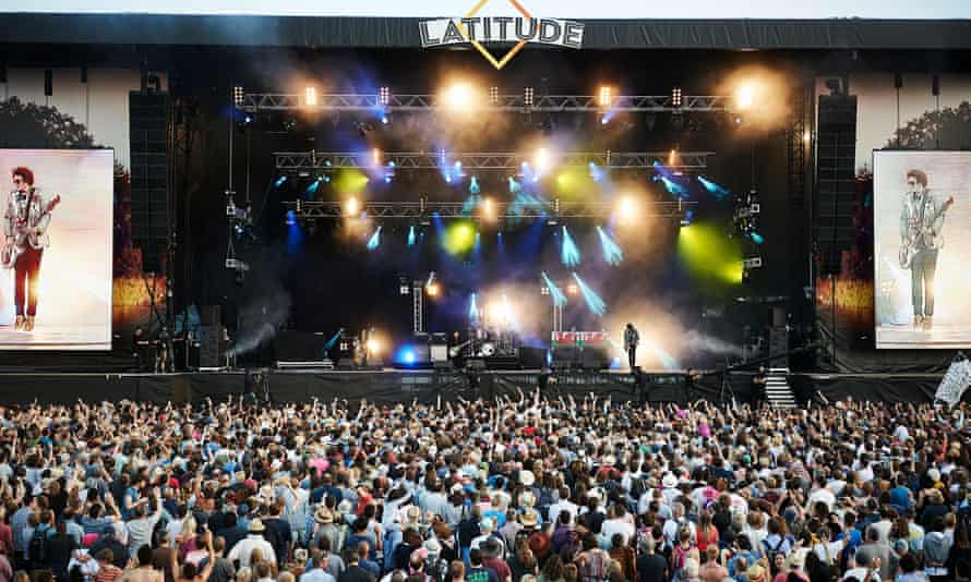 Manic Street Preachers on stage at the Latitude festival in 2015
