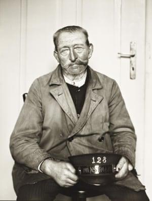 Porter, 1929 by August Sander.