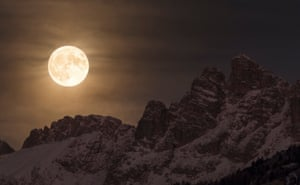 Super MoonGiorgia Hofer (Italy). The magnificent sight of the Super Moon illuminating the night sky as it sets behind the Marmarole, in the heart of the Dolomites in Italy. On the night of 14 November 2016, the Moon was at perigee at 356.511 km away from the centre of Earth, the closest occurrence since 1948. It will not be closer again until 2034. On this night, the Moon was 30% brighter and 14% bigger than other full moons.