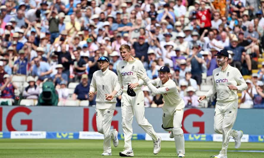 England thought Zak Crawley had caught Devon Conway out, but their celebrations were cut short.