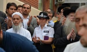 Cressida Dick joins members of the public close to Finsbury Park mosque after a van attack.