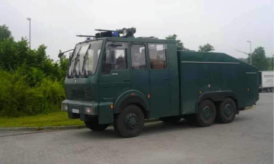 Rosenbauer Wasserwerfer 9000 (WaWe 9).