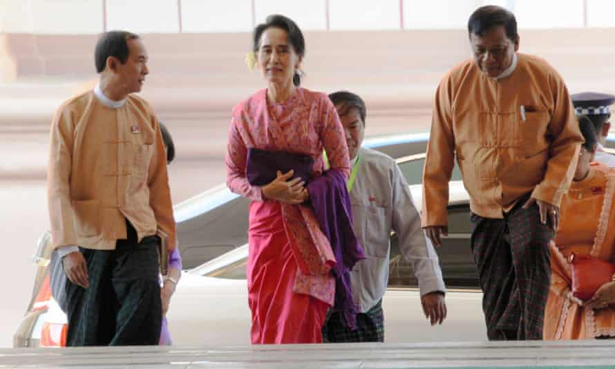 Ruling National League for Democracy chairwoman Aung San Suu Kyi arriving at the first session of the new parliament.