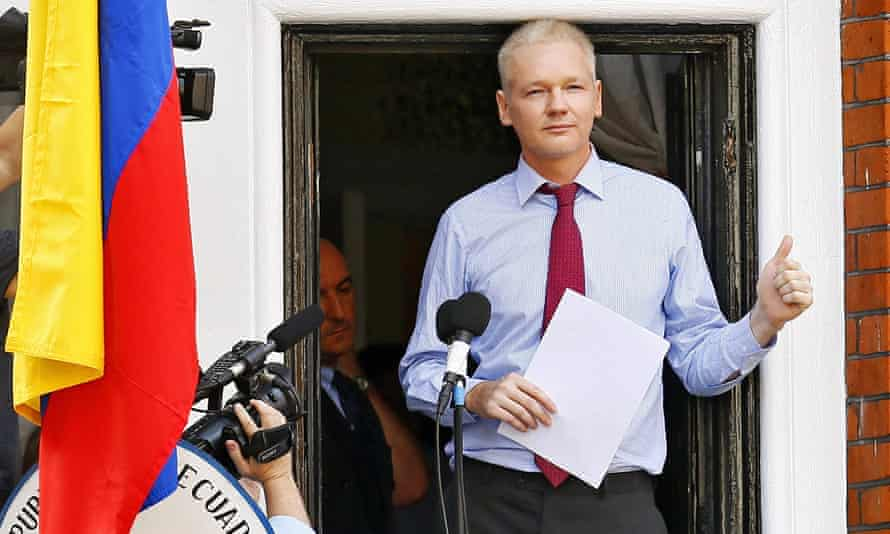 Assange speaking from the balcony of the Ecuadorian embassy in August 2012