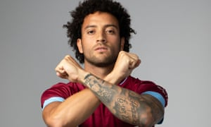 Felipe Anderson poses after signing for West Ham from Lazio.