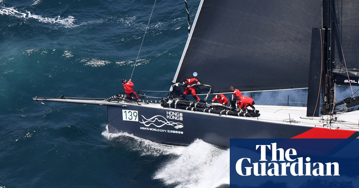 Sydney to Hobart race: Wild Oats XI drops off as SHK Scallywag leads way
