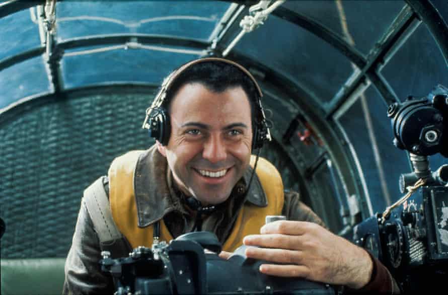 Arkin as Yossarian in Catch-22.