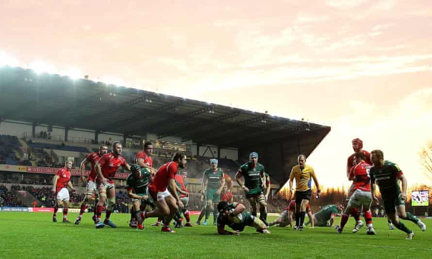 London Welsh conceding a try to Leicester in 2014, at the Kassam Stadium