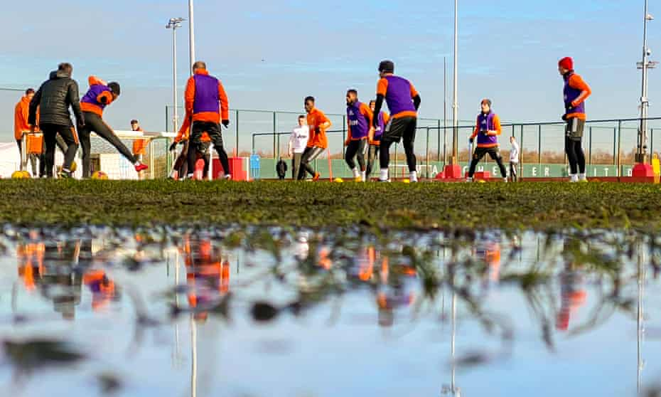 A nice arty Manchester United training shot there. Looks damp.