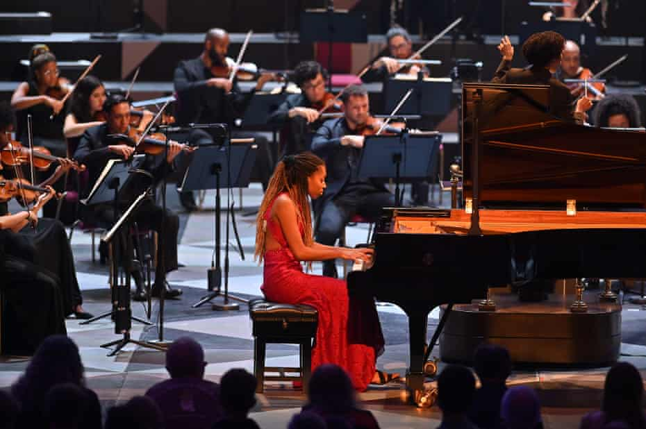 Jeneba Kanneh-Mason with Chineke! Orchestra conducted by Kalena Bovell at the Proms.