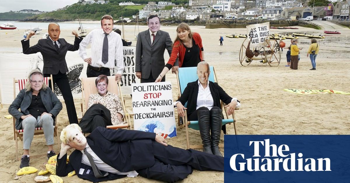 Scott Morrison arrives in UK for G7 amid protests for climate change action