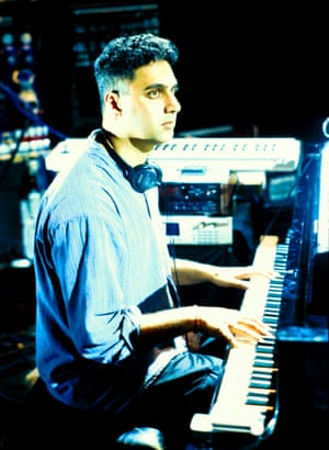 Nitin Sawhney performing in 1990