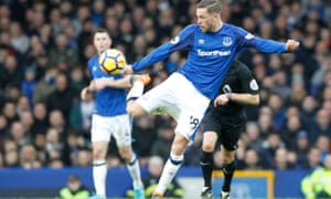 Gylfi Sigurdsson played the full 90 minutes in Saturday's win over Brighton although it appears he damaged his right knee during the game.