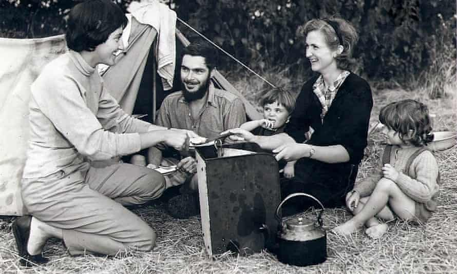 Bridget Allchin, right, with her husband, Raymond, and children, William and Sushila, on fieldwork with a colleague, Vittoria, in 1956