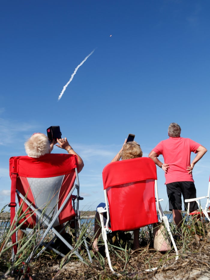 Falcon Heavy: Elon Musk's giant SpaceX rocket makes
