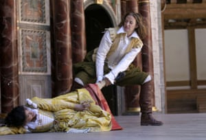 Hunter with Janet McTeer in The Taming of the Shrew, an all-female production by Phyllida Lloyd, at Shakespeare's Globe in 2003