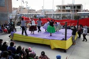 The cholitas wrestlers.