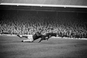 Gordon Banks's agility and reactions came in handy against Manchester United in November 1965 when a dog made it onto the Filbert Street pitch