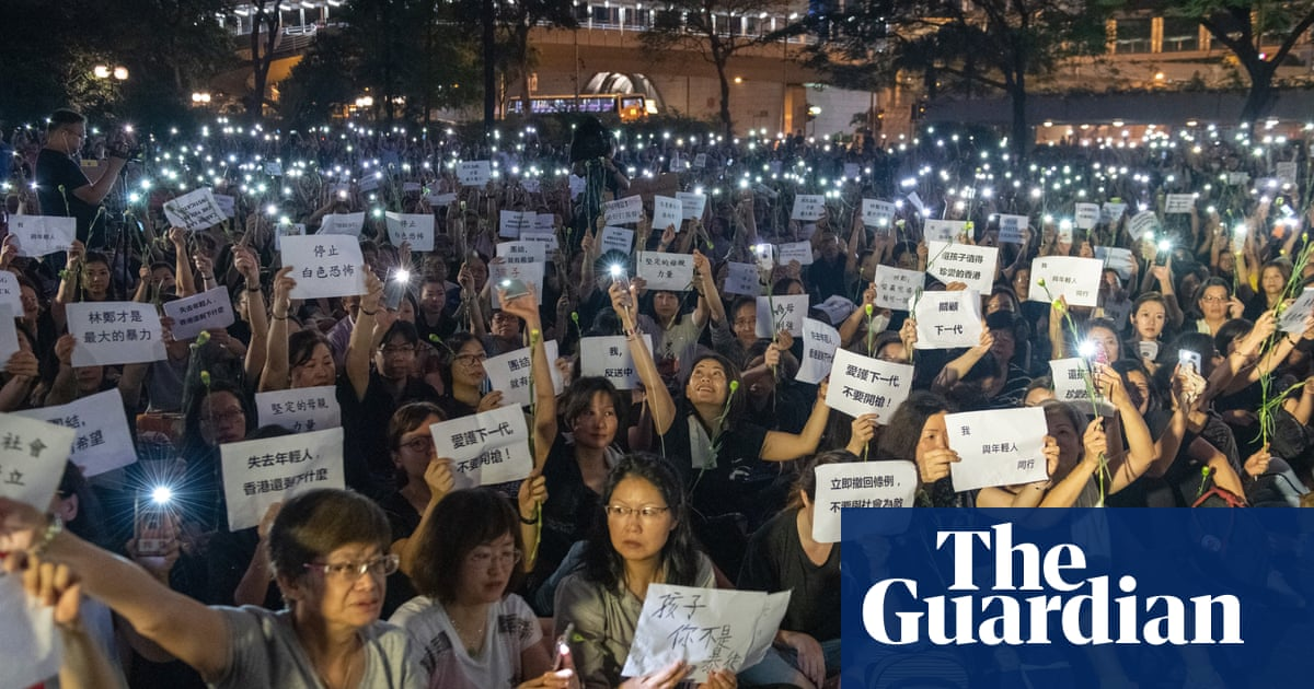 Hong Kong leader suspends extradition bill amid protest pressure