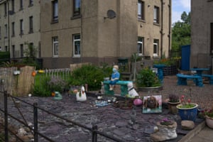 A front garden filled with ornaments, Restalrig.