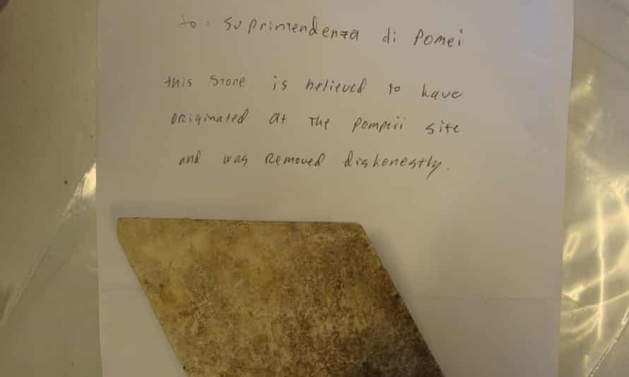 A letter and stone returned to the Pompeii archaeological park