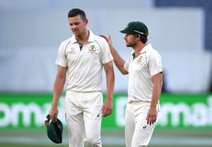 Josh Hazlewood leaves the field in due to injury in a huge blow to Australia.