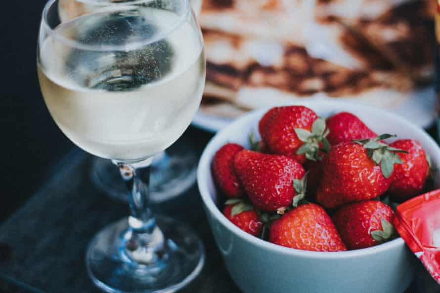 The best time to enjoy sweet wines is the summer, with a big bowl of summer fruits or a cooling dessert.