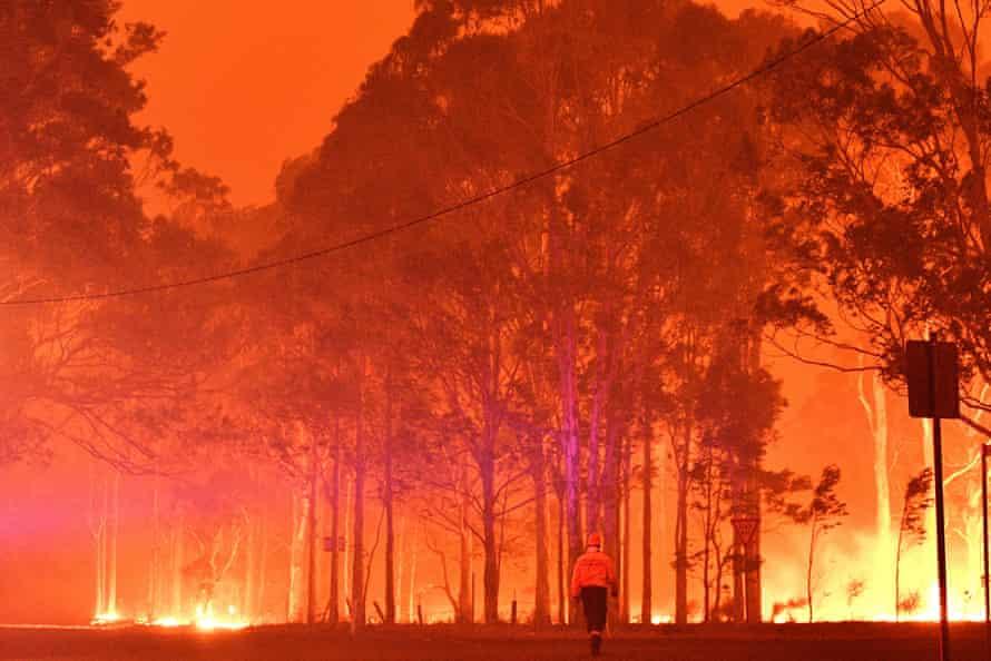 Fires rage around Nowra in December