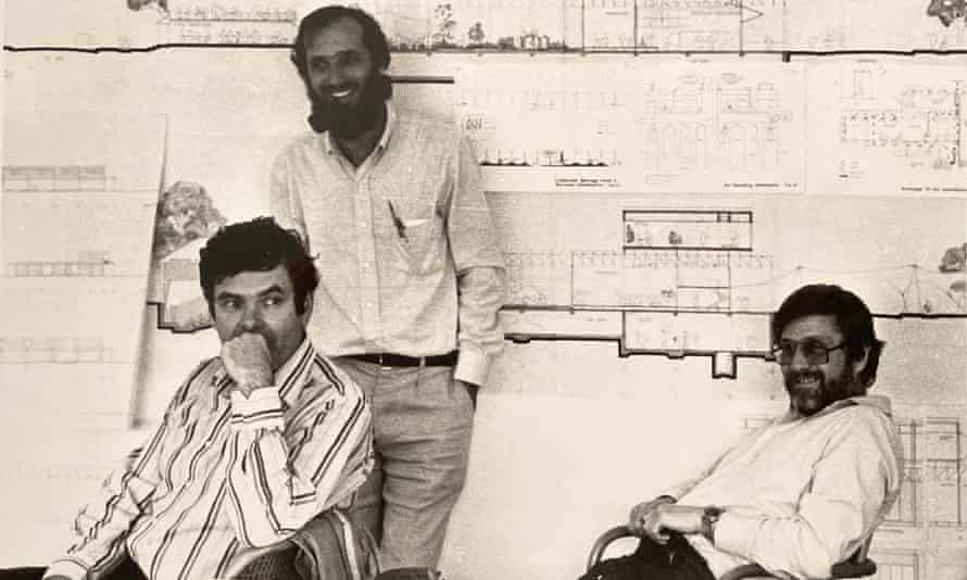 Tom Barker (right) with Peter Rice, structural engineer, and Renzo Piano, architect
