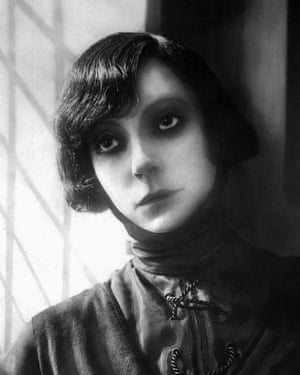 Asta Nielsen as Hamlet in a 1921 production.