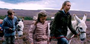 THE RUNAWAYS - press film still - runaways still 1