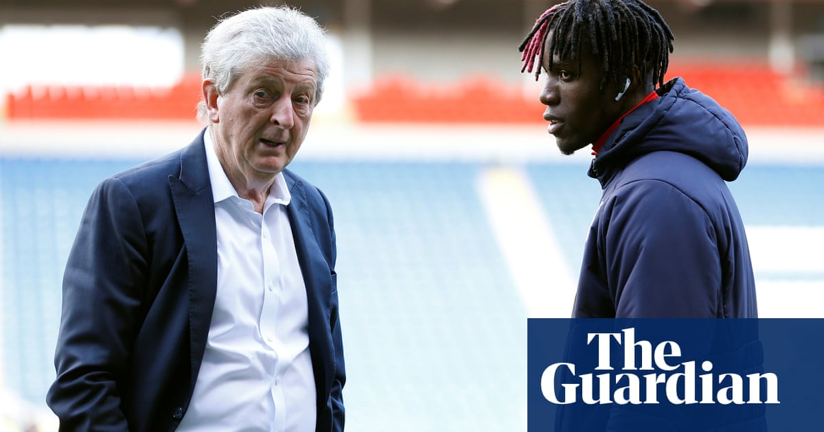 Roy Hodgson confirms Zaha will stay at Palace but 'beef is with owners'