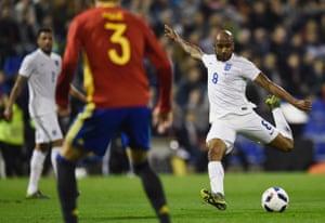 Fabian Delph of England shoots