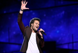 Amir of France performs the song 'Jai cherche'