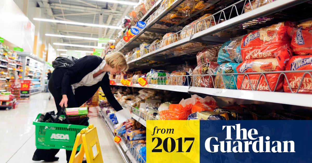 c8e312d6c9 Supermarkets must stop using plastic packaging, says former Asda boss
