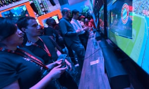 Gamers play Fifa 18 (Bayern Munich Vs Real Madrid) at the E3 expo in LA.