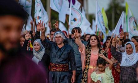 Demonstrators in Qamishli
