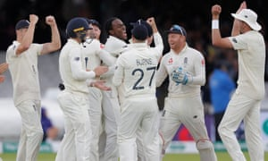 Jofra Archer dismisses Australia's opener Cameron Bancroft for his first Test wicket.