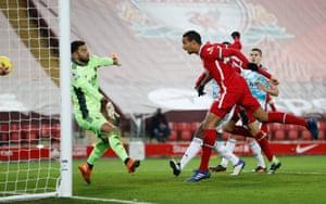 Liverpool's Joel Matip scores to make it 3-0.